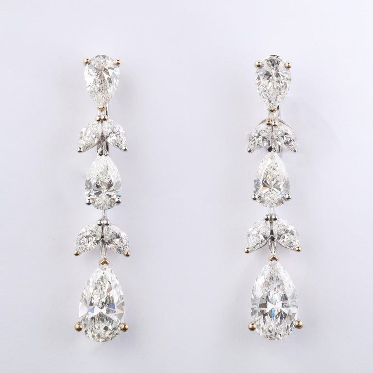 Diamond Drop Earrings In New Condition For Sale In New York, NY