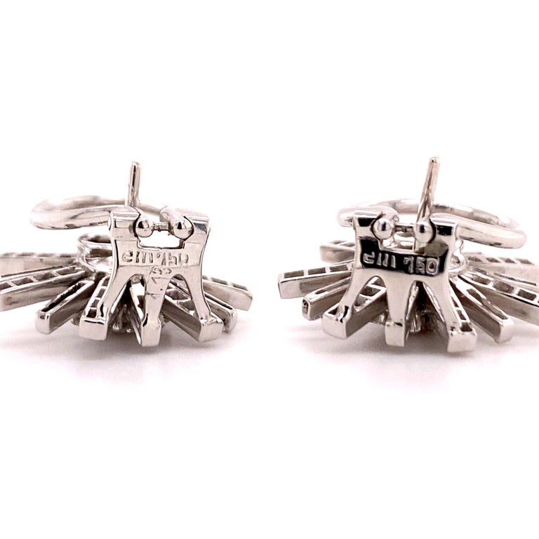 Diamond Earclips in 18 Karat White Gold In Good Condition For Sale In Lucerne, CH