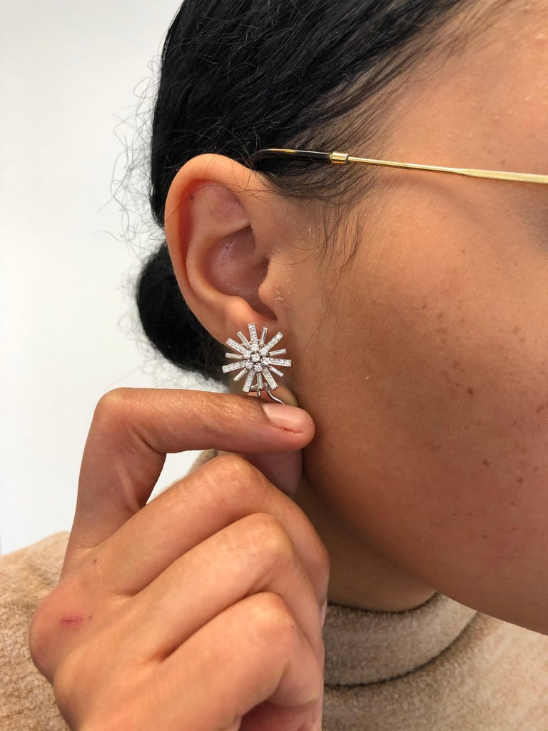 Diamond Earclips in 18 Karat White Gold For Sale 1