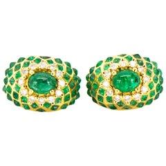 Diamond Emerald Earrings Huggie Yellow Gold 18 Karat Dome Omega