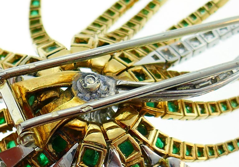 Diamond Emerald Platinum Yellow Gold Brooch Pin Clip, French, 1960s For Sale 1