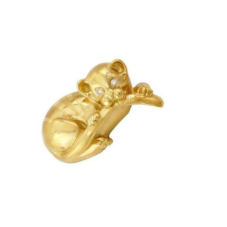 Diamond Eyes 18 Karat Yellow Gold Tiger Baby Brooch by John Landrum Bryant In New Condition For Sale In New York, NY