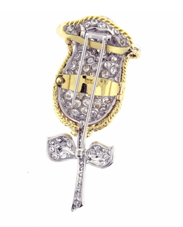 Round Cut Diamond Flower Brooch For Sale