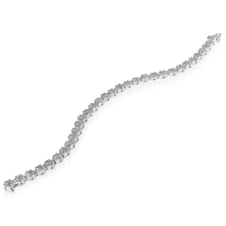 Diamond Flower Cluster Bracelet in 14 Karat White Gold 6.00 Carat In Excellent Condition In New York, NY