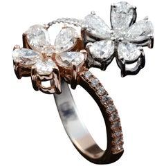 Diamond Flower Fashion Ring in 18 Karat Gold
