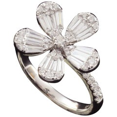 Diamond Flower Illusion Fashion Ring in 18 Karat Gold