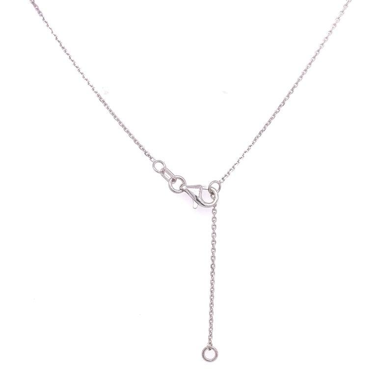 Diamond Flower Pendant Necklace In New Condition For Sale In Miami, FL
