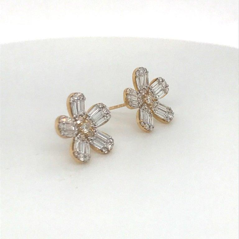 Round Cut Diamond Flower Stud Earrings 1.67 Carat 14 Karat Rose Gold For Sale