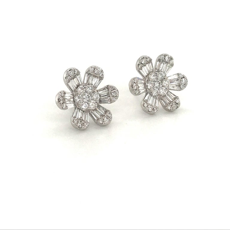 Round Cut Diamond Flower Stud Earrings 1.91 Carat 18 Karat White Gold For Sale