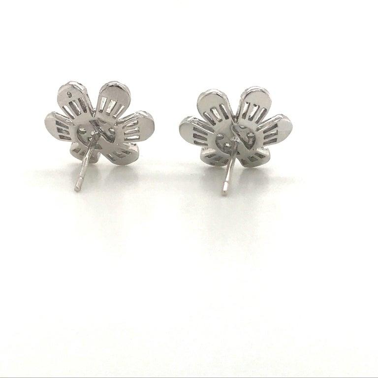 Diamond Flower Stud Earrings 1.91 Carat 18 Karat White Gold For Sale 1