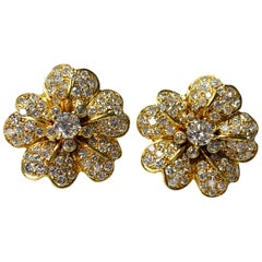 Diamond Flower Stud Earrings in 18 Karat Yellow Gold