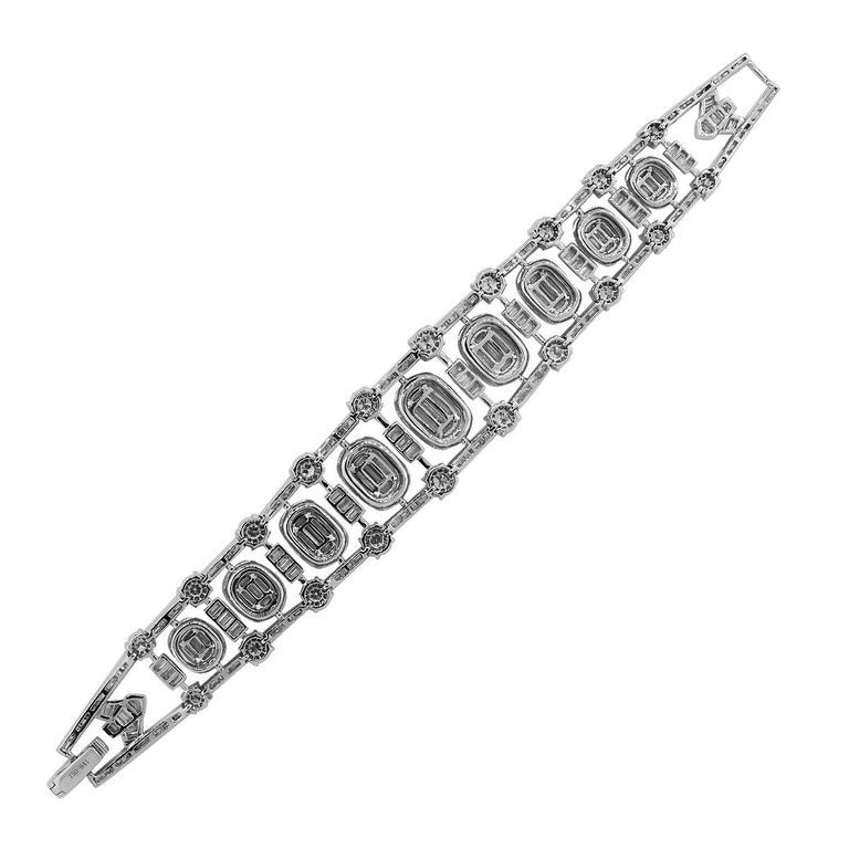 Diamond Freeform Bracelet In New Condition For Sale In Boca Raton, FL
