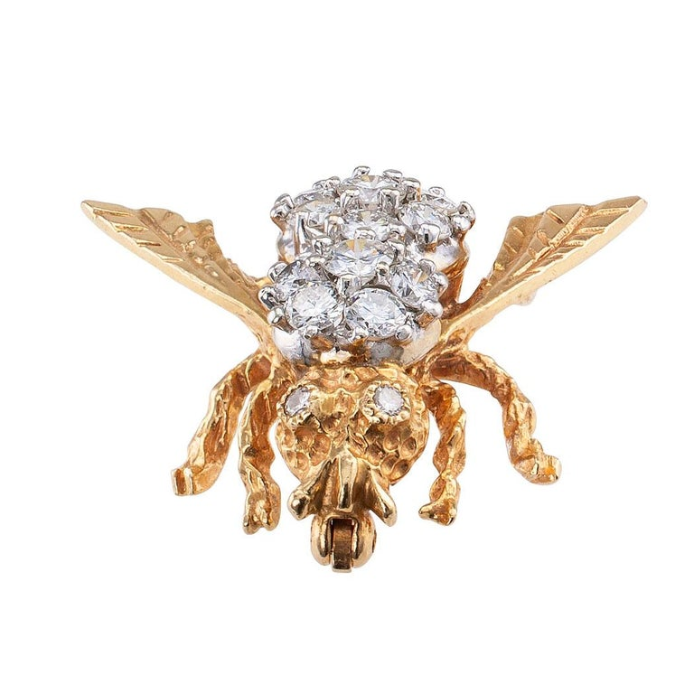 Contemporary Diamond Gold Bee Brooch For Sale