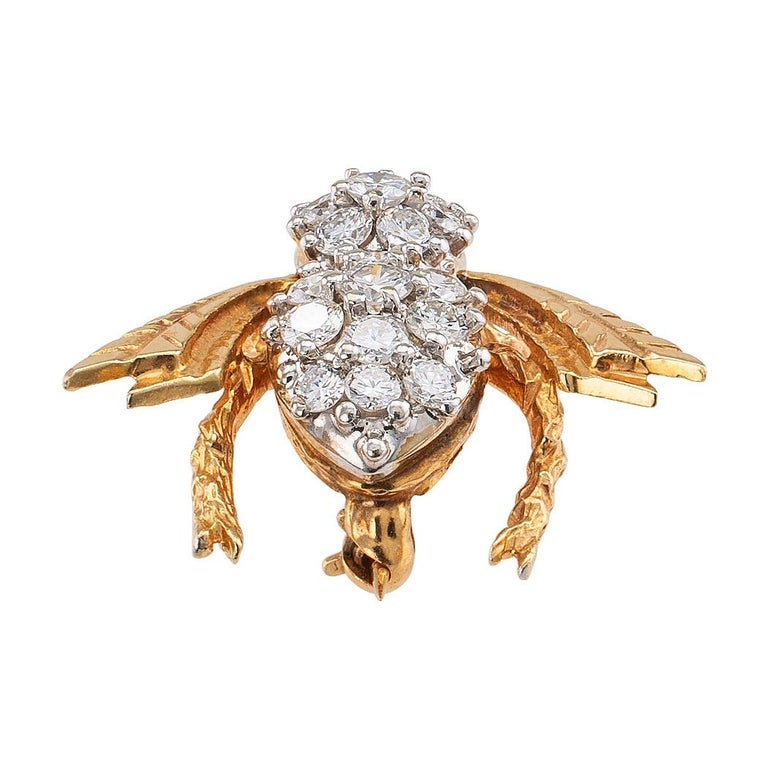 Round Cut Diamond Gold Bee Brooch For Sale
