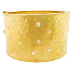 Diamond Gold Cuff Bracelet in 18 Karat Yellow Gold with 1.00 Carat Diamond