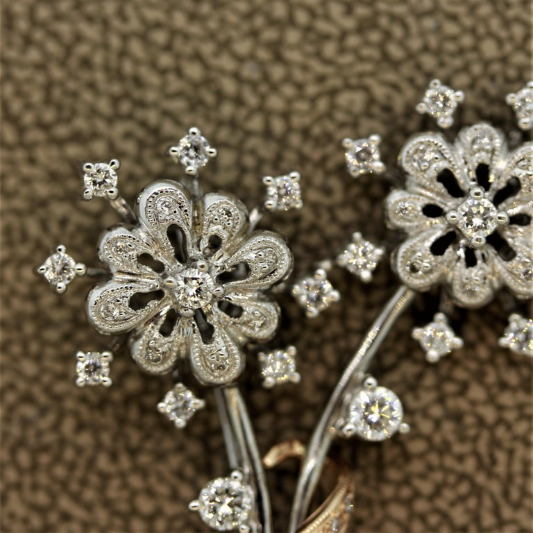Round Cut Diamond Gold Flower Pin Brooch For Sale