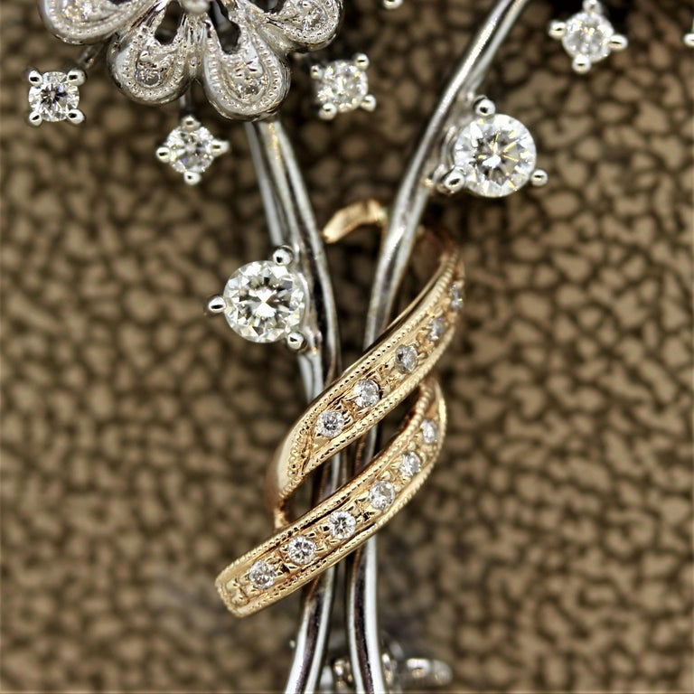 Diamond Gold Flower Pin Brooch In New Condition For Sale In Beverly Hills, CA