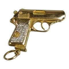 Diamond Gold Pistol Pendant 18 Karat Gold Solid 39.9 Gram, circa 1980s