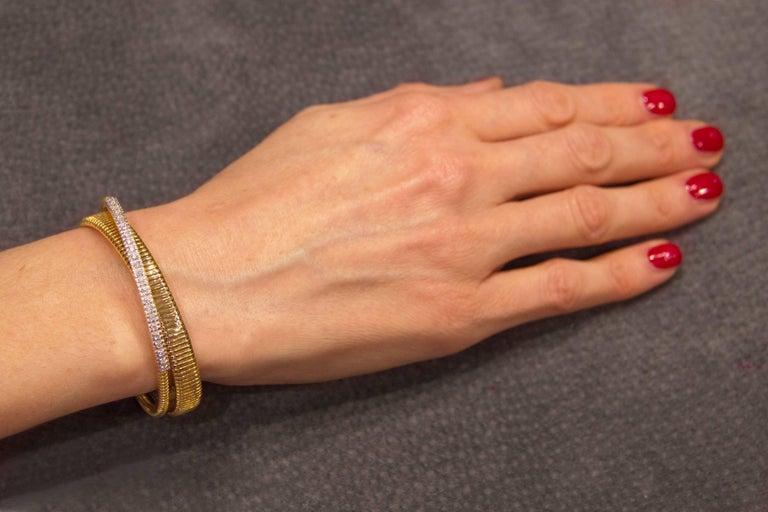 Jona White Diamond 18 Karat Yellow Gold Tubogas Bangle Bracelet For Sale 2