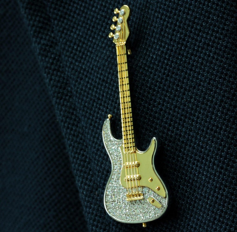 Contemporary Diamond Guitar 18 Karat Yellow and White Gold Brooch For Sale