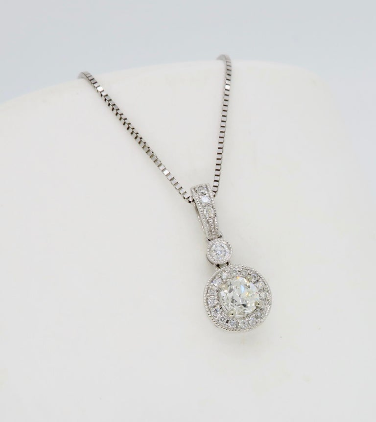 Diamond Halo Pendant Necklace In New Condition For Sale In Webster, NY