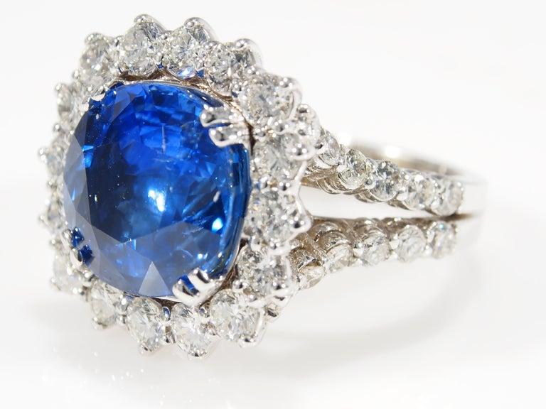 Modern Diamond Halo Ring GIA Certified Sapphire 8.60 Carat White Gold 18 Karat For Sale