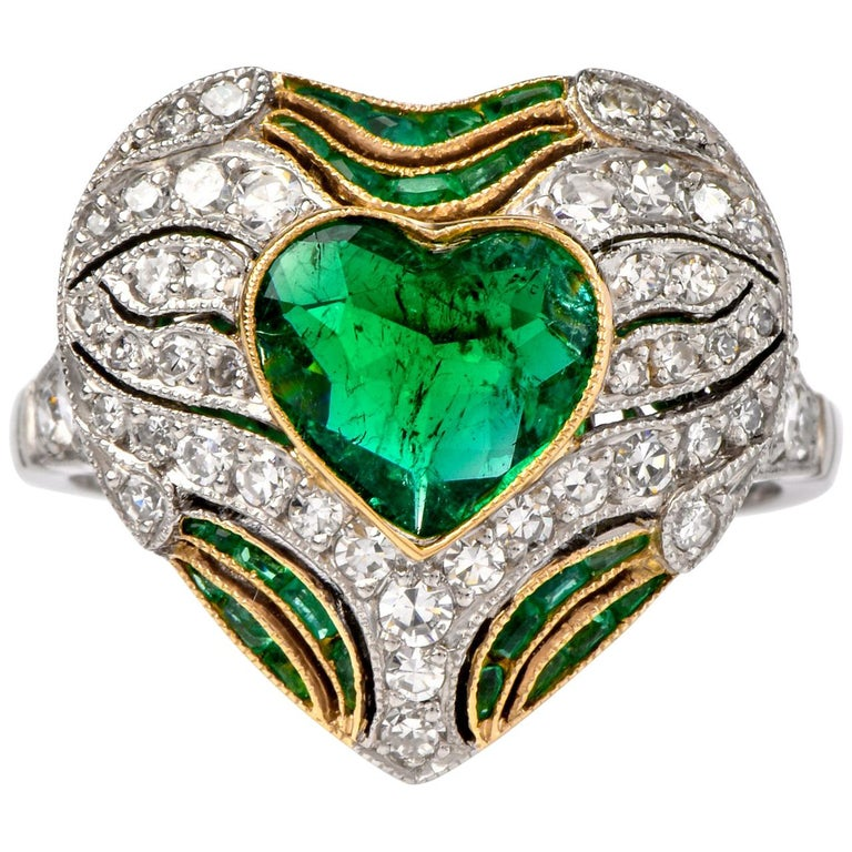 Diamond Heart Emerald Platinum Filigree Ring For Sale