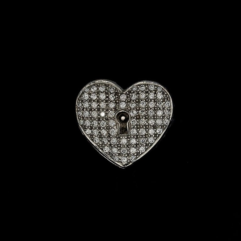 Diamond Heart Locket and Key Victorian Poison Ring in 18 Karat Gold and Diamonds For Sale 3