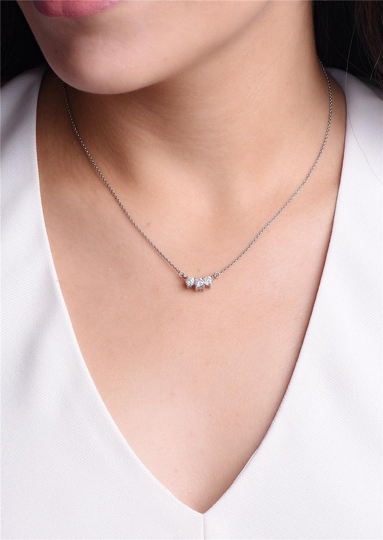 Round Cut Diamond Horizontal Pendant Gold Necklace For Sale