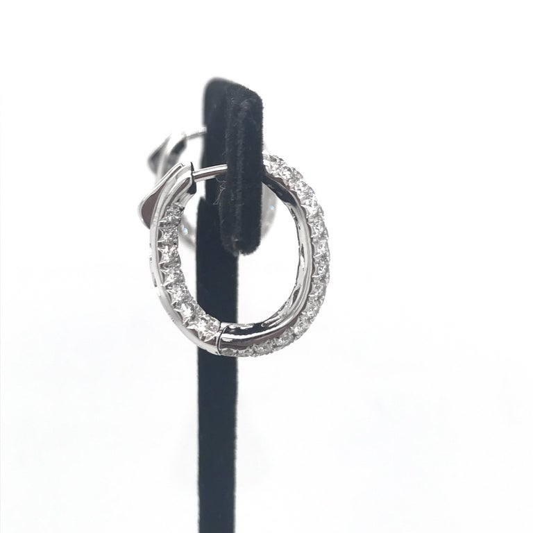 Diamond Hoop Earrings 2.95 Carat 18 Karat White Gold In New Condition For Sale In New York, NY