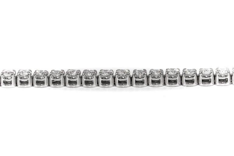 Diamant Tennisarmband, 6,83 Karat, 18 Karat Weißgold 3