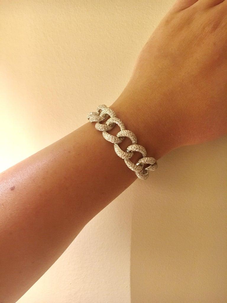 Round Cut Diamond Link 18 Karat White Gold Bracelet For Sale