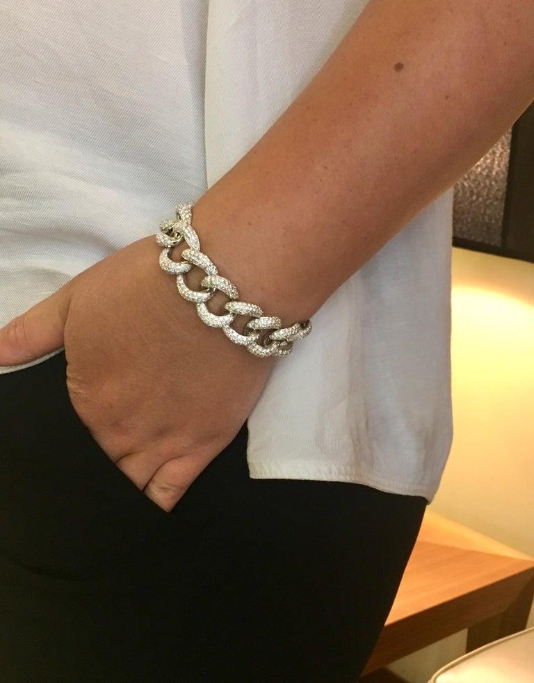Diamond Link 18 Karat White Gold Bracelet In New Condition For Sale In Ottawa, Ontario