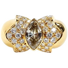 Diamond Marquise Round Brilliant Cut Cocktail Ring Yellow 18 Karat Gold Vintage