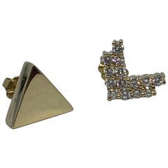Diamond 0.42ctw Mismatched Modern Arrow Earrings in 14 Karat Gold