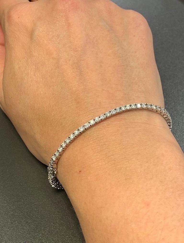 Round Cut Diamond Necklace and Diamond Bracelet Suite 205 Round Diamonds 13.05 Carat For Sale