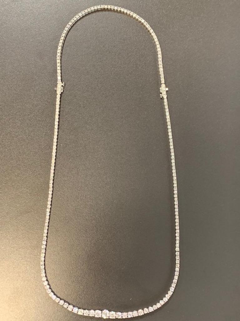 Diamond Necklace and Diamond Bracelet Suite 205 Round Diamonds 13.05 Carat In New Condition For Sale In New York, NY