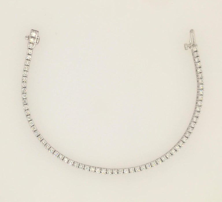 Diamond Necklace and Diamond Bracelet Suite 205 Round Diamonds 13.05 Carat For Sale 1