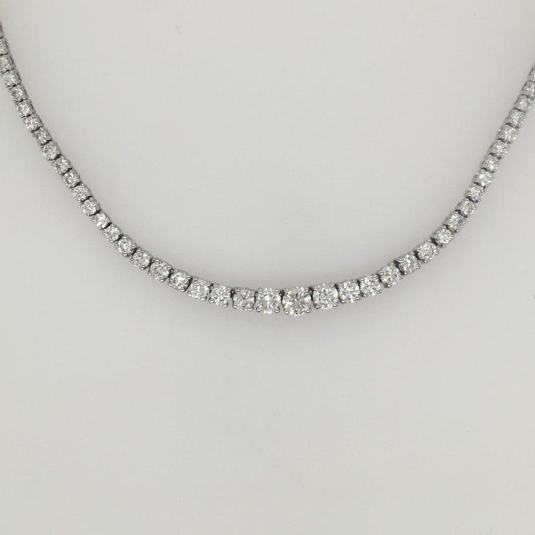 Diamond Necklace and Diamond Bracelet Suite 205 Round Diamonds 13.05 Carat For Sale 2