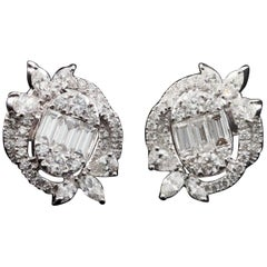 Diamond Oval Illusion Fashion Stud Earring in 18 Karat Gold