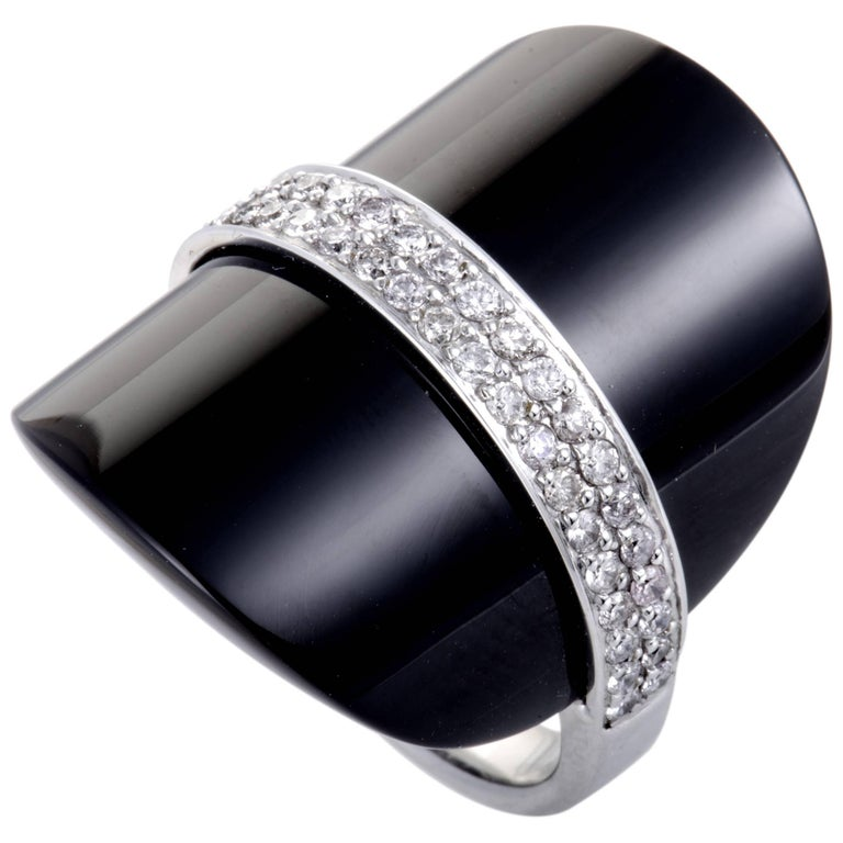 Diamond Pave and Onyx Cocktail Gold Ring