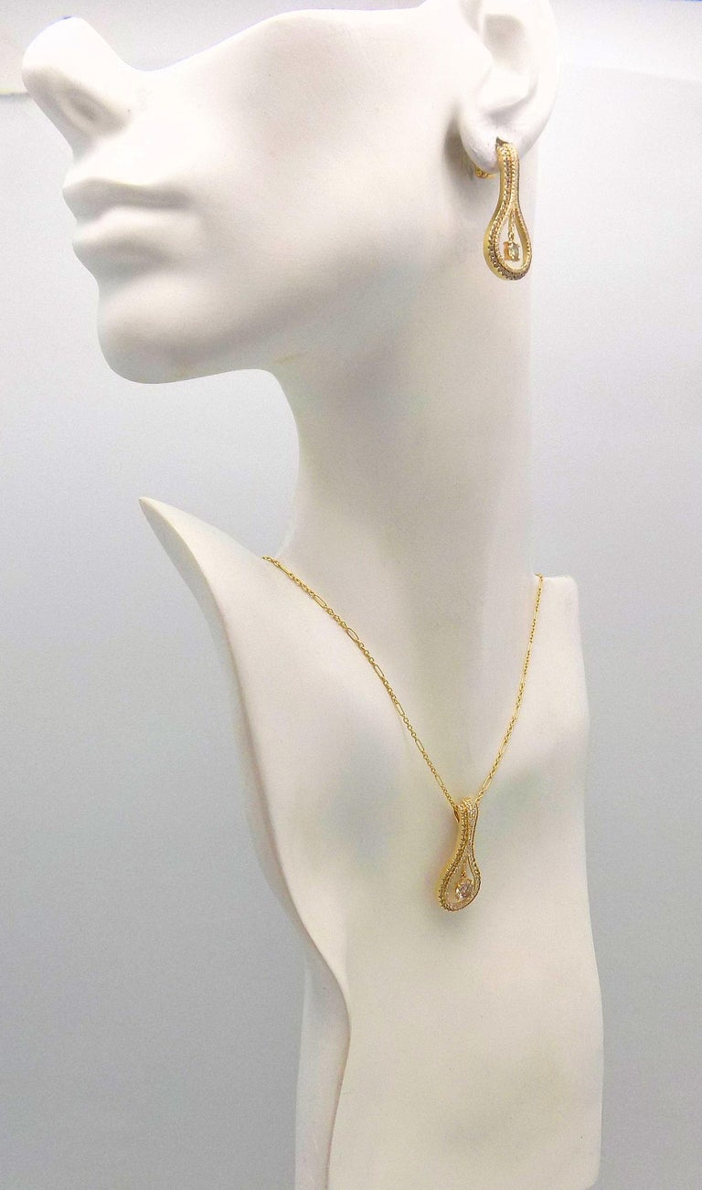 Diamond Pendant and Earrings Set In New Condition For Sale In Dallas, TX