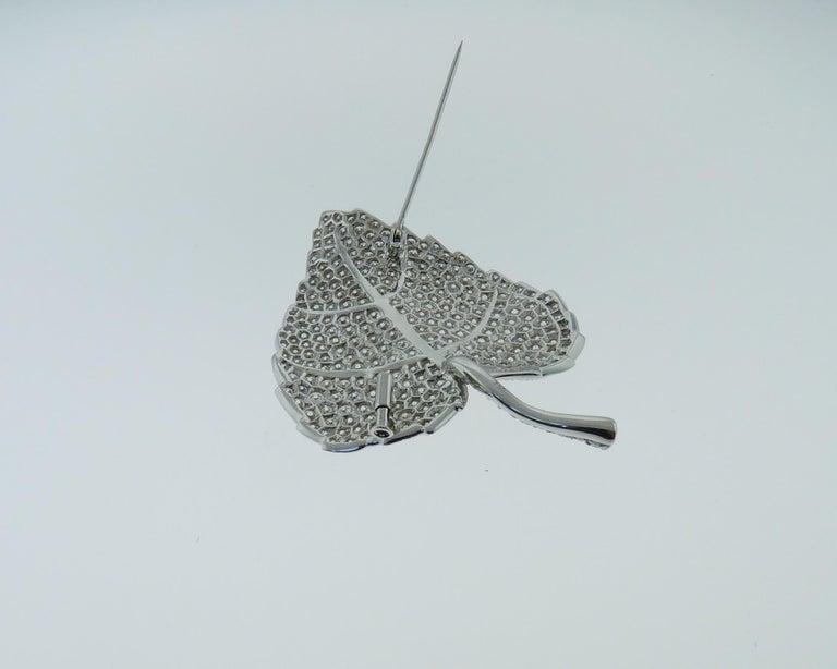 Round Cut Diamond Pin/Brooch in 18 Karat White Gold For Sale