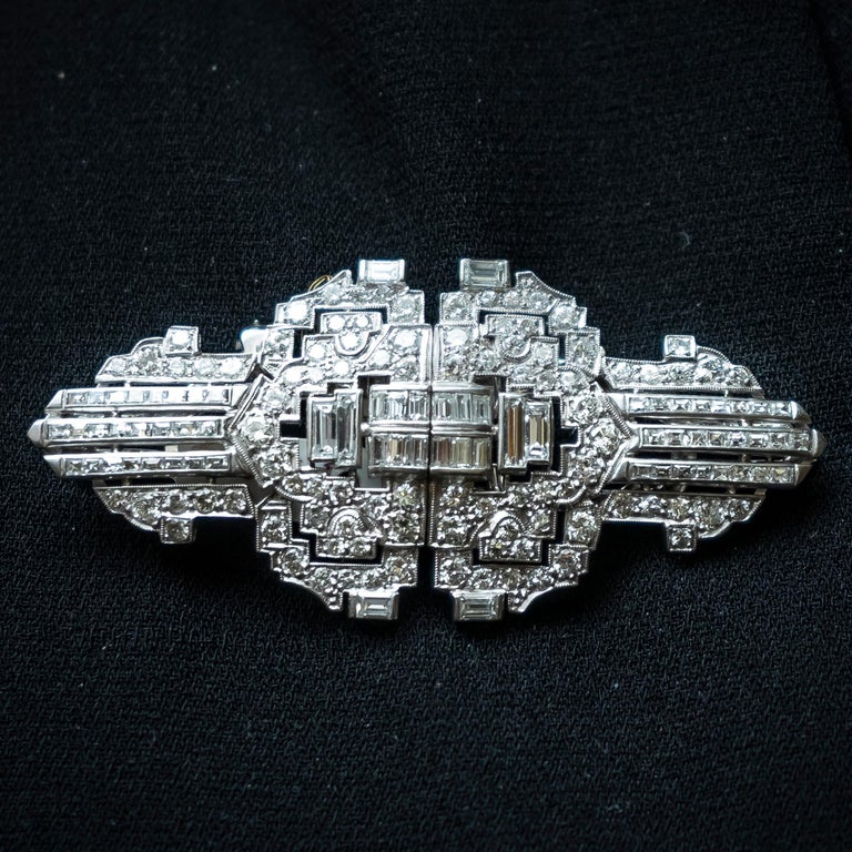 Diamond Platinum Double Clip Brooch In Good Condition For Sale In London, GB