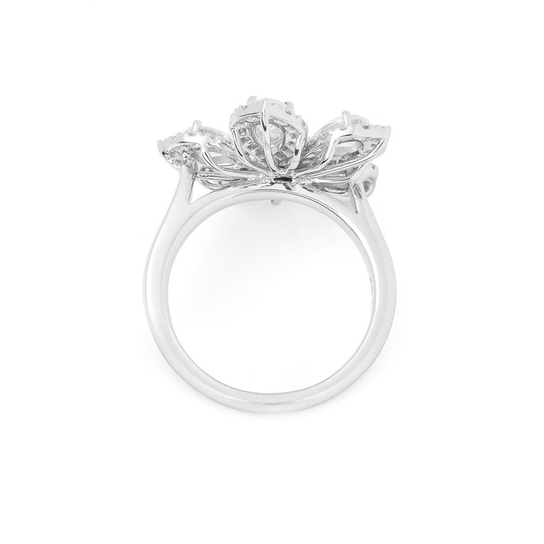 Diamond Platinum Micro Set Pear and Round Brilliant Cut Diamond Cluster Ring In New Condition For Sale In Bishop's Stortford, Hertfordshire