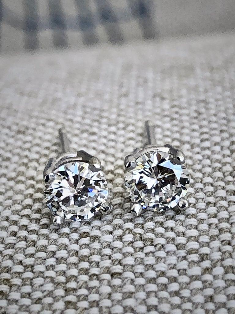 Estate Platinum Diamond Stud Earrings 0.75ct F VS2 100% Natural Diamond Shape or Cut : Round Cut Average Color/Clarity : F/ VS2 Total Weight Diamonds: 0.75 Carats Diamond Size: 4.7mm  Style: Studs/ Prong set Composition: Platinum Push Backs  100%