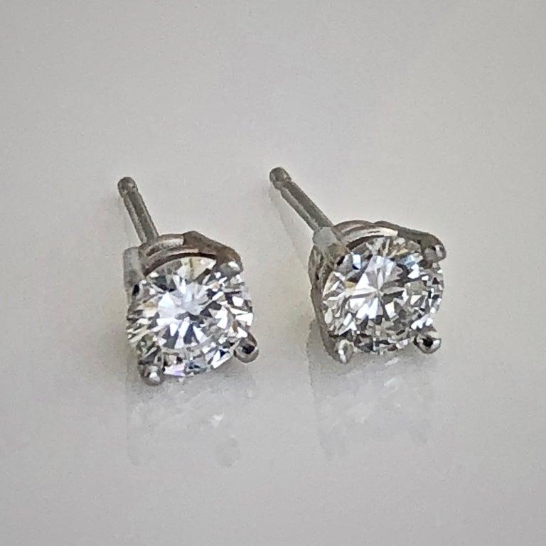 Contemporary Diamond Platinum Stud Earrings 0.75 Carat F-VS2 For Sale