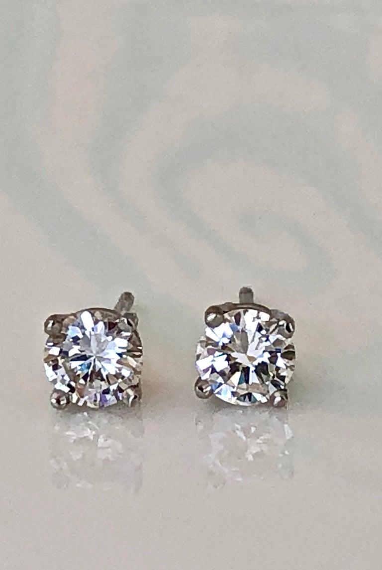 Round Cut Diamond Platinum Stud Earrings 0.75 Carat F-VS2 For Sale