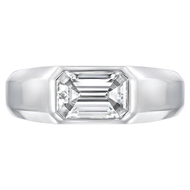 Diamond Ring Emerald Cut 1.70 Carat D Color VVS2 Clarity For Sale