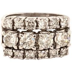 Diamond Ring in 14 Karat White Gold